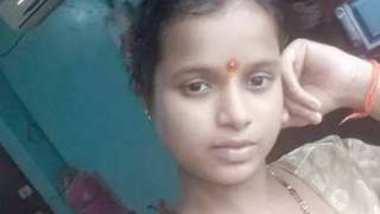 Desi cute wife nude bath make a call to her husband