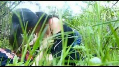 Desi nude girls giving an amazing blowjob and enjoying outdoor sex