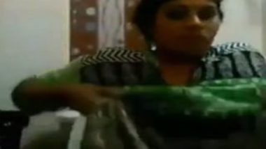 Big Hanging Boobs Tamil Babe nude bathroom video