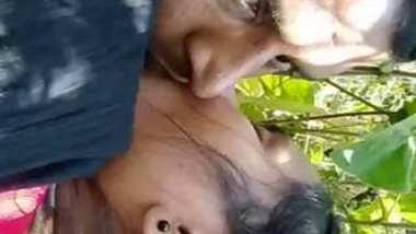 Desi lover outdoor romance