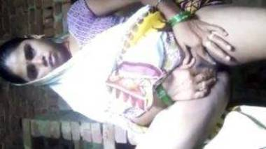Indian village pussy fingering bhabhi in saree