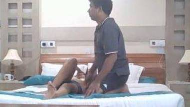 Desi Honeymoon sex video in hotel