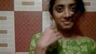 Cute ooodesi Bangladeshi girl nude selfie