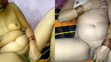 indian stepaunt fuck herself by inserting cucumber in pussy