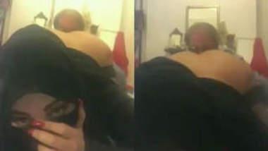 servant sucking arab lady ass hole