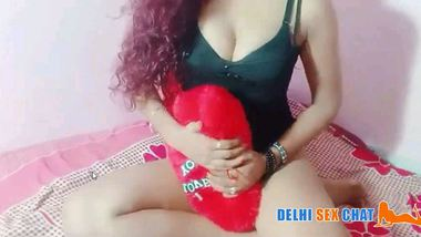 Arushi ka Delhi sex chat mai naked sexy dance video