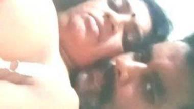 Mallu aunty boob fondling video
