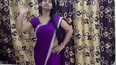 shivani thakur hot navel show