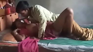 Mallu maalkin ka Bhojpuri naukar se leak chudai mms