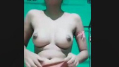 CUTE DESI INDIAN GF NUDE SHOW FOR BF