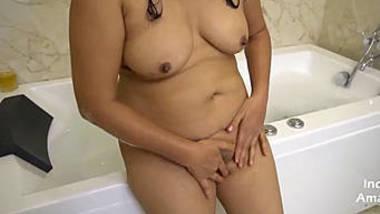 rich indian bhabhi masturbate with fun in bathtub