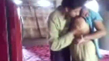 Indian sexy video of a horny guy enjoying and seducing a sexy milf