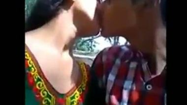 Indian teen porn video of a college couple having fun in a park