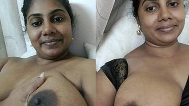 desi aunty hot pussy show and fingring