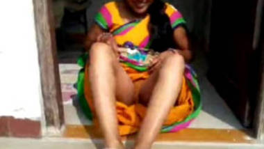 south indian meenu aunty giving bj to lover showing pussy in the open
