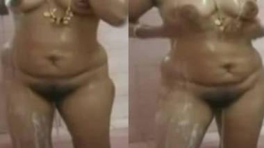 bhabhi full naked bath infront of devar
