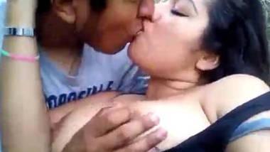 outdoor desi boob sex and lip lock