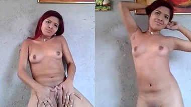 cute girl naked on cam