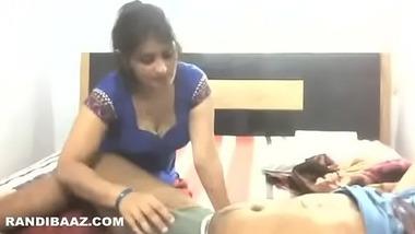 Virgin girl ki kasi fuddi ko lover ne chod chod kar phada