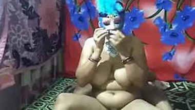 hot horny indian mature aunty sougandha fun with her deva