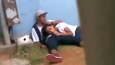 College girl giving her boyfriend a nice blowjob outdoor
