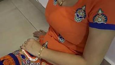 Desi girl in hot leggings at home