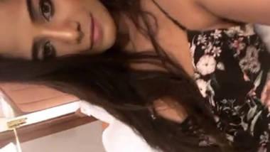 poonam pandey nipple slip todays insta live