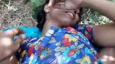Desi hot village girl fucking outdoor