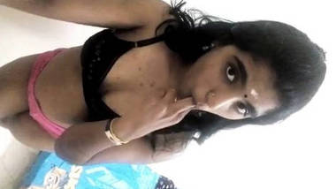 hot mallu girl showing her boobs selfie to lover