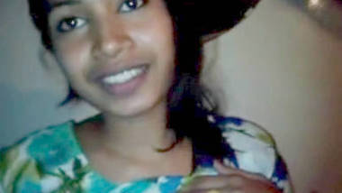 Horny Bangla Beauty Parlour Girl Leaked Scandal