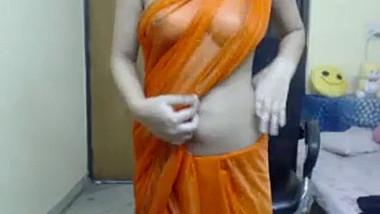 Bra-less Desi Girl in transparent saree