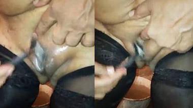 Desi rashmi bhabhi pussy shaving by self