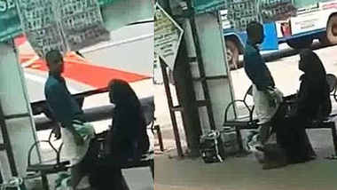 Muslim aunty giving public handjob in bus stand kerala