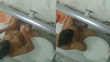 Desi wife nude bathing in bathroom recording by spy cam