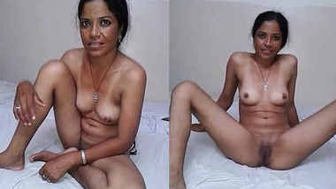 Suman Bhabhi Showing in Hotel Room Before Fucking