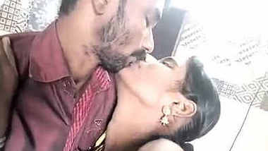 Telugu uncle and aunty kissing