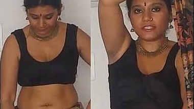 Sexy Bengali Girl Deep Big Navel in Saree