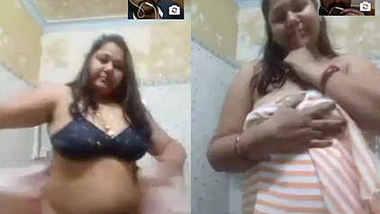 desi aunty boob show video call