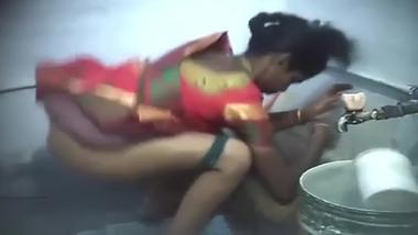 Desi village bhabi XXX spy cam catches aunty in saree pissing