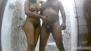 Horny Indian Couple BathRoom Fuck Without water mark