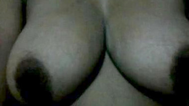 Chennai aunty huge boobs pressing