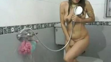 Sexy Indian Girl Radhika Bathing show in private