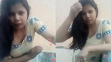 Desi Bhabi Live Cleavage Visible, Bending Babe