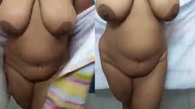 Big Boobs Desi Bathing Beauty