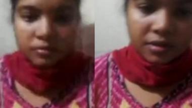 Desi girl watching bf jerking