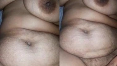 Sexy Desi Wife Showing Boobs and Pussy