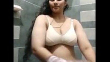 Kerala girl irfana undressing