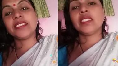 BD Aunty IN Saree Live , Desi Boudi