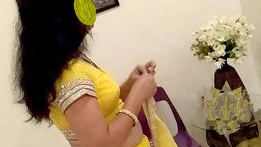 Jaya bhabi fucking with husband boss in hotel