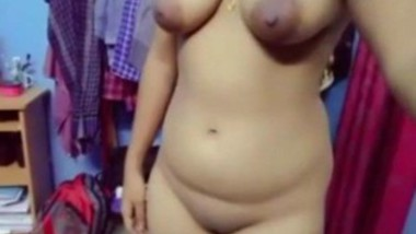 Sexy Tamil Girl Showing Her Nude Figure